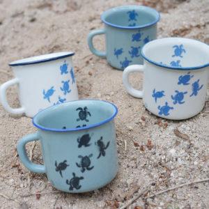 Tasse illustrée par Fanny de Vague graphique, ceramique artisanale